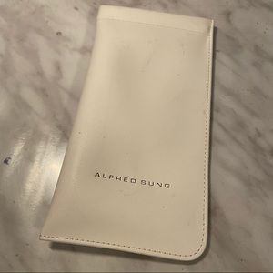 Alfred Sung sunglasses soft case white